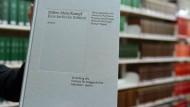Kommentierte Neuausgabe von Mein Kampf vorgestellt