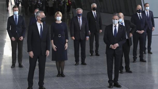 Eine Traumatherapie für die Nato