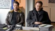 Hart und härter auf Abwegen: Die Polizisten Kessel (Fritz Karl, links) und Diller (Nicholas Ofczarek) müssen sich vor der Staatsanwältin rechtfertigen.