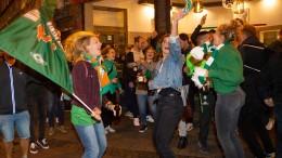 Werder-Fans feiern Klassenverbleib