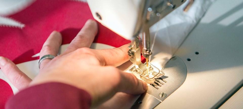 Taschen aus dem Gefängnis: Die tapfere Schneiderin - Mode & Design - FAZ