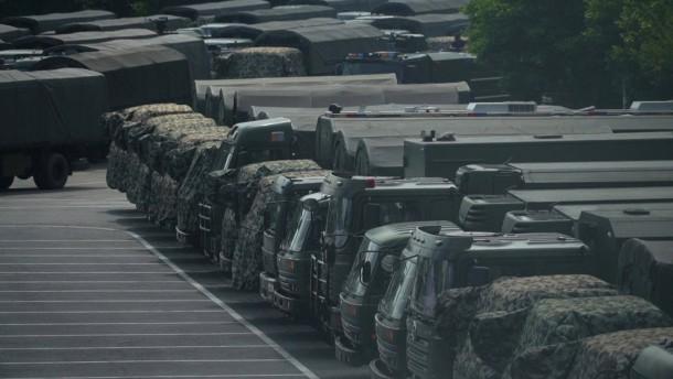 China sendet Drohsignale an Demonstranten in Hongkong