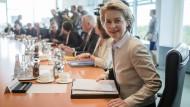 Von der Leyen: Bundeswehr-Verlegung kostet Zeit