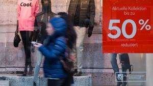 Wie man die Tricks der Online-Händler zum Sparen nutzen kann