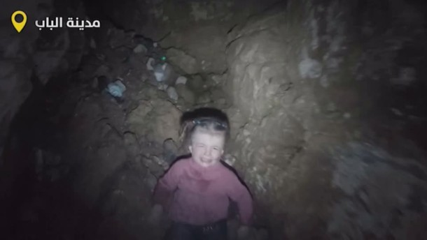 Vierjährige wird aus Brunnen gerettet