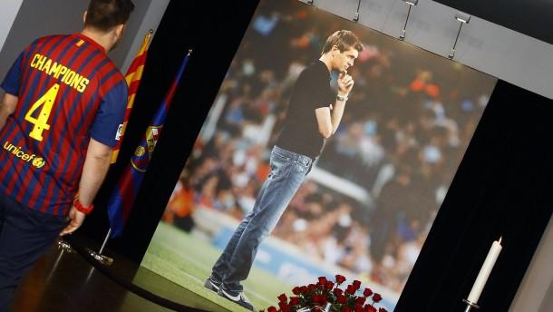 Spanien nimmt bewegt Abschied