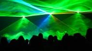 Es werde Licht: Mit Laserstrahlen lassen sich, wie hier in Wolfsburg,  tolle Effekte erzielen.