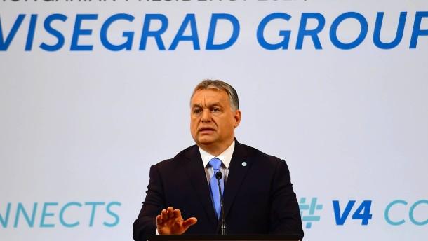 Orbán schäumt,  Fico moderiert