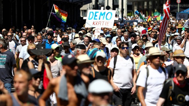 Polizei löst Demo gegen Corona-Auflagen auf