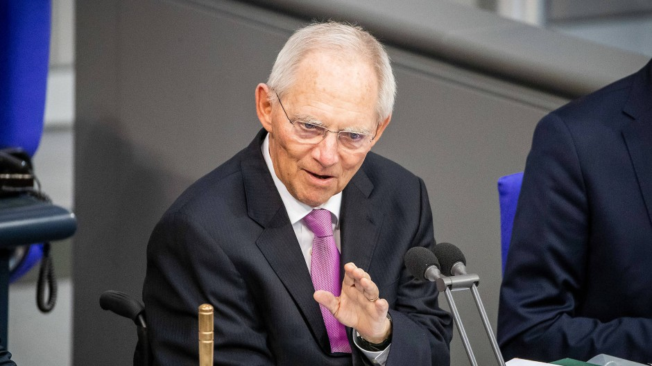 Wolfgan Schäuble hat die Erhöhung der Abgeordnetendiäten in den Bundestags-Drucksachen offiziell bekanntgegeben.