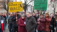 Dagegen: Rund 150 Menschen protestierten am Wochenende gegen das Bauvorhaben.