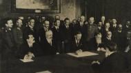 Unterzeichnung des Bukarester Frieden in 1918.