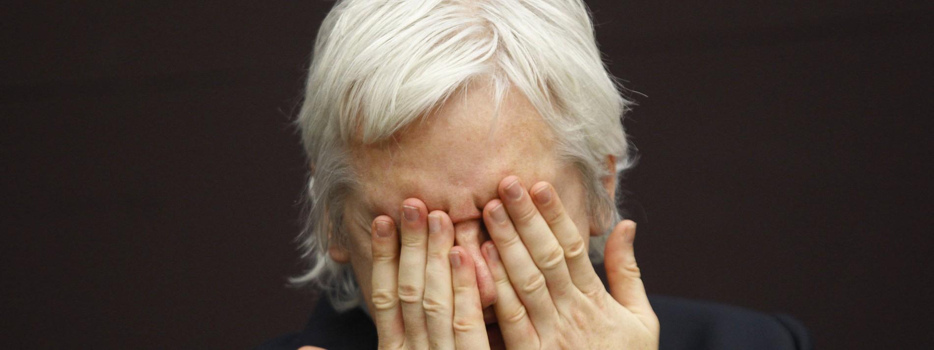 Assange bleibt in Haft
