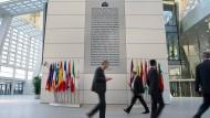 Auf dem richtigen Weg? Mitarbeiter der EZB im Frankfurter Osten