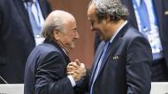 Für immer verbunden? Der Walliser Blatter und der Franzose Platini waren einst König und Kronprinz.