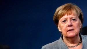 Merkel warnt vor Abwanderung von Unternehmen