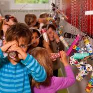 Jenseits des Zeichentricks: Kinder haben Spaß an Filmen aller Art. Das weiß man im Deutschen Filminstitut und Filmmuseum.