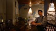 Sympathischer Hausherr: Sushi-Koch und Restaurantbetreiber Hiroshi Sakai.