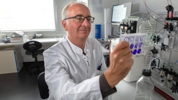 Zweigleisig zu neuen Virus-Medikamenten
