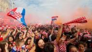 Die Kroaten feiern in Zagreb trotz ihrer Niederlage.