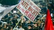 Am 25. Januar 2015 bejubeln Griechen in Athen den Wahlsieg von Alexis Tsipras.