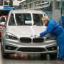 Trägt zu Deutschlands Exportüberschuss bei: Endkontrolle im BMW-Werk Regensburg.