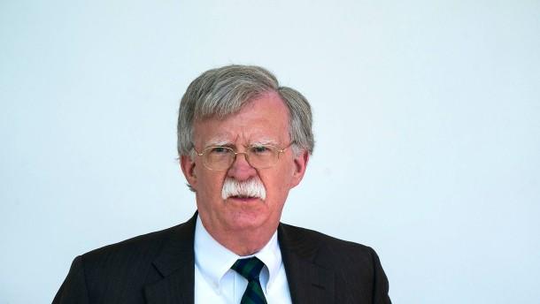 """Trumps Sicherheitsberater: """"Sanktionen gegen europäische Firmen möglich"""""""