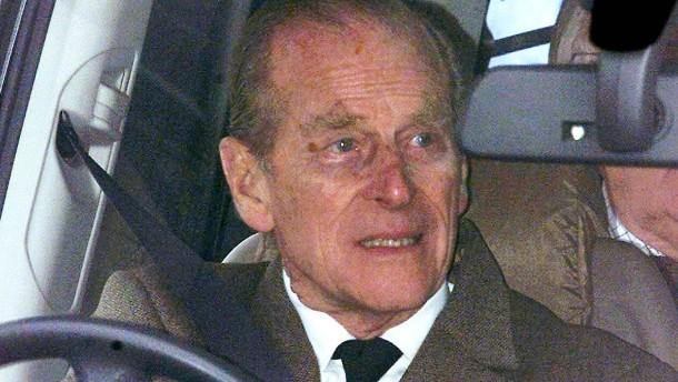 Muss Prinz Philip nun vor Gericht?