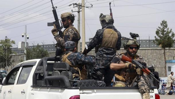 Taliban erlauben mehr als 200 Menschen die Ausreise