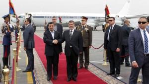 Ahmadineschad im Streit mit Laridschani-Brüdern