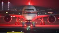 Zurück zum Hindukusch: 50 Personen in einer Maschine von Meridiana fliegen nach Kabul.