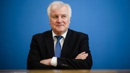 Seehofer stellt sich hinter Große Koalition