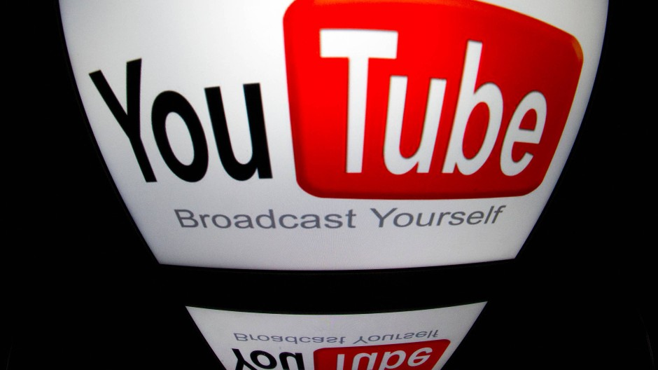 Die Berliner Staatsanwaltschaft hat einen Youtuber angeklagt. (Symbolbild)