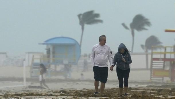 """Sturm """"Eta"""" fordert dutzende Menschenleben"""