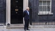 Wie bestellt und nicht abgeholt: der Premierminister am Donnerstag vor seinem Amtssitz in Downing Street