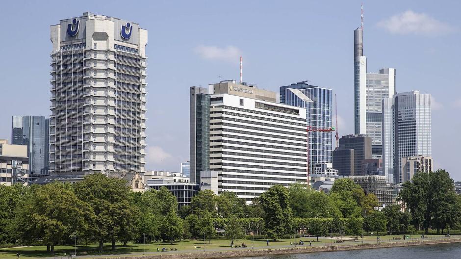 Markante Baustelle: Seine fünf Sterne sieht man dem Hotel Intercontinental nicht an. Das Hochhaus muss umfassend saniert werden.
