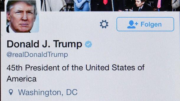 Twitter und Facebook warnen vor Trump-Vorwurf