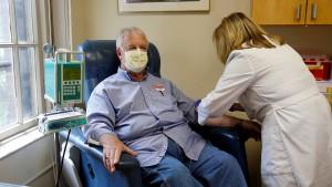 Erster Patient erhält neues Alzheimer-Medikament