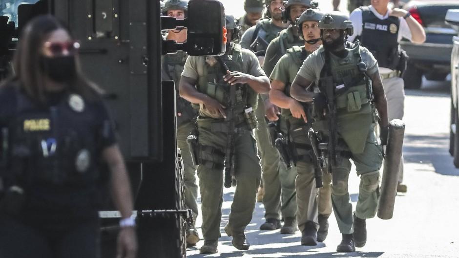 Vermeintliche Notrufe, um Menschen durch ein SWAT-Team der Polizei unter Druck zu setzen, werden in den Vereinigten Staaten immer wieder abgesetzt. (Symbolbild)