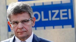 Berliner Polizeipräsident muss Amt abgeben