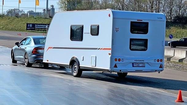 Auf ein Wohnwagensicherheitstraining mit Technik & Motor