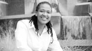 Vorzeigefrau von De Beers: Mpumi Zikalala kennt sich mit Gesteinsbrocken aus.
