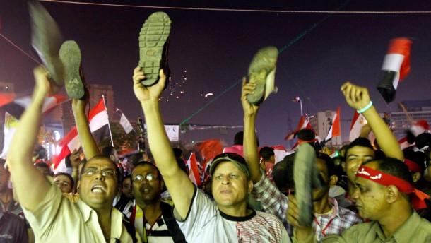 Armee lädt Opposition und Muslimbrüder zu Treffen ein