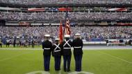 Volles Stadion, leere Spielerbänke: Bei der Partie zwischen Seattle und Tennessee blieben die Spieler den Klängen der Nationalhymne fern.