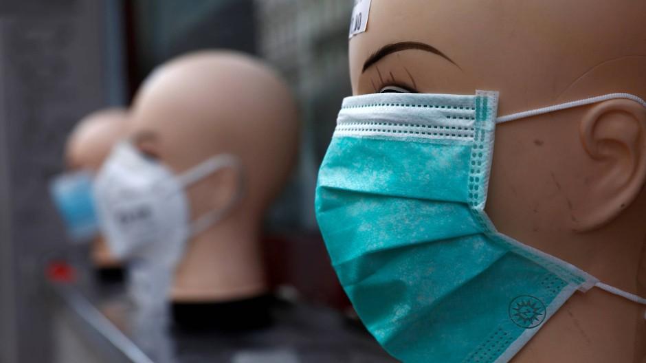 Atemschutzmasken sind angesichts der Ausbreitung des Pandemie derzeit weltweit gefragt.
