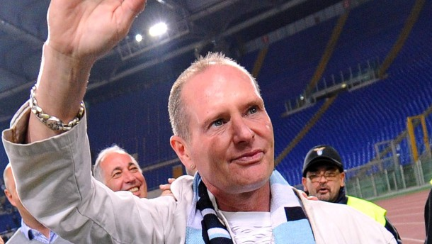"Former England star Gascoigne ""needs immediate help"", says agent"