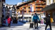 Wengen im Bergener Oberland: Hier hat ein Brite 27 Personen angesteckt. Wintersport bleibt in der Schweiz dennoch erlaubt.
