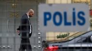 Das abgesperrte Konsulat von Saudi-Arabien in Istanbul - dort, wo der Journalist Khashoggi gestorben sein soll.