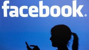 Facebook will Freunde im Nachrichtenfeed aufwerten
