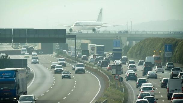 Verdi warnt Fraport vor überhöhtem Tarifabschluss